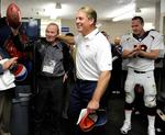 Broncos victory gives <strong>Pat</strong> Bowlen a milestone