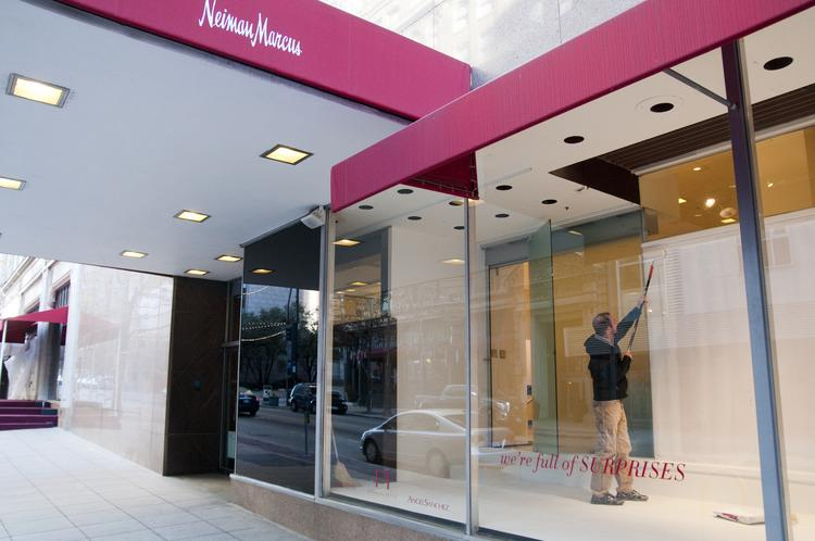 Neiman Marcus joins Target and other department stores hit by hackers stealing credit card data.