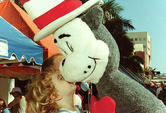 The Cat in the Hat spreads the love in Children's Alley at the 1998 book fair.