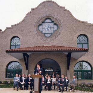 Mayor Henry Cisneros presided over the ceremony opening Generations' headquarters at MoPac depot in 1988.