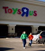 Toys 'R' Us, following Kohl's lead, to open round-the-clock before Christmas
