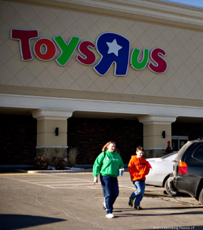 """Toys """"R"""" Us will open round-the-clock between Dec. 21 and 24."""