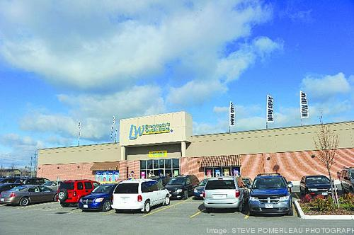 big lots closing canadian operations 2 years after buying liquidation world columbus. Black Bedroom Furniture Sets. Home Design Ideas