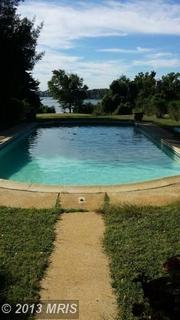 Amenities at the Severnside Farm include a swimming pool.