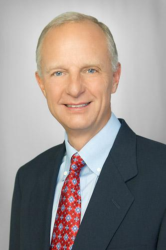 Jim Thompson will step down as CEO of ORIX USA to start a new company Jan. 1.