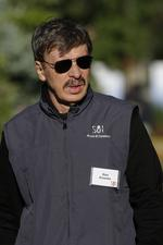 Stan Kroenke buys land in L.A. -- A new home for his St. Louis Rams?