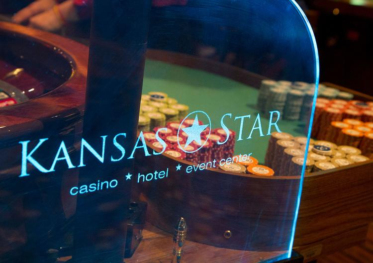 Kansas Star Casino will build a 10,000-square-foot convention/meeting facility in its next phase that begins in early 2014.