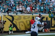 Titans receiver Nate Washington catches a wide open touchdown in the fourth quarter to take the lead 20-16.
