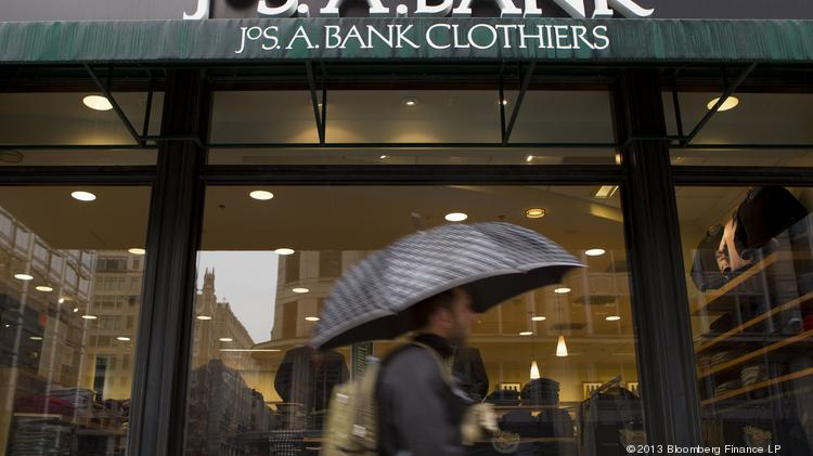 Merger talks between Men's Wearhouse and Jos. A. Bank are accelerating.