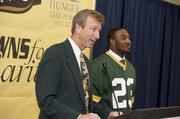 Green Bay Packers announcer Wayne Larrivee was the emcee for the event.