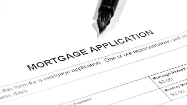 Mortgage application volume dropped 5.9 percent in the week beginning April 18.