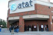 AT&T hopes to tempt more T-Mobile customers to its stores with an offer of $450 credit to switch.