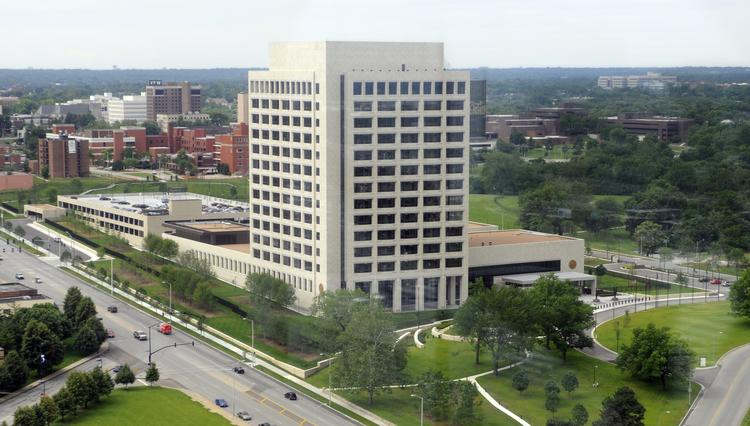 The Federal Reserve Bank of Kansas City is headquartered at 1 Memorial Drive, south of the Liberty Memorial and Union Station.