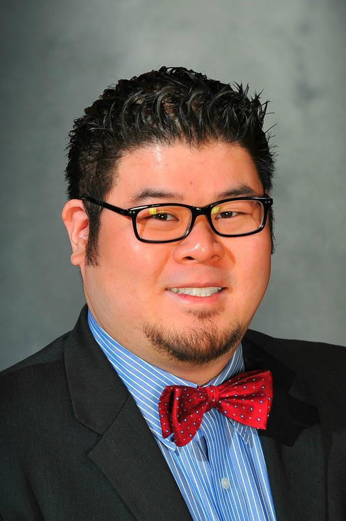 Eric Tung is a social media manager and trainer at BMC Software as well as a social media strategist, blogger and speaker.