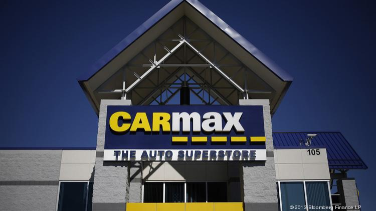 Carmax Inc Signage Hangs On The Front Of A Dealership In Lexington Ken
