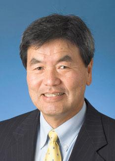 Tay Yoshitani will retire from his post as CEO of the Port of Seattle.