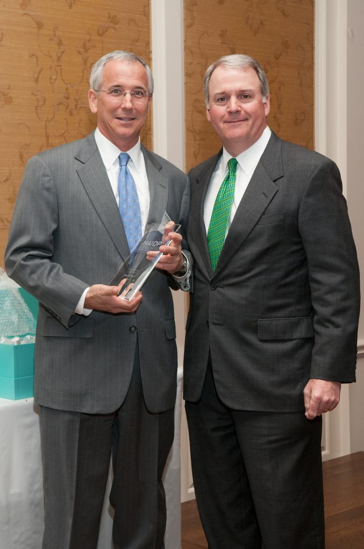 From left: Steve Hesse, Office Broker of the Year, and Paul Frazier, NAIOP Broker of the Year co-chair