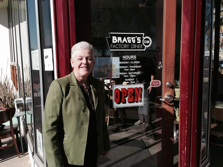U.S. Environmental Protection Agency administrator Gina McCarthy visited several Phoenix businesses Wednesday on her tip to the Valley to promote clean energy. She had lunch at Bragg's Factory Diner, a vegan and vegetarian diner that uses locally-sourced food.