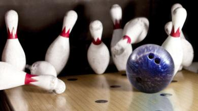 The Hutchinson City Council agreed Tuesday to issue $6.5 million in industrial revenue bonds for a bowling and entertainment center whose developers include Wichita bowling proprietors Frank and Cathy DeSocio.
