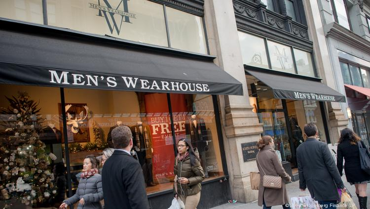 The Men's Wearhouse Inc. (NYSE: MW) is urging Jos. A. Bank Clothiers Inc.'s (Nasdaq: JOSB) independent directors to form a special committee to reconsider the company's $1.6 billion acquisition offer, adding that it is willing to increase the bid.   Photographer: Craig Warga/Bloomberg