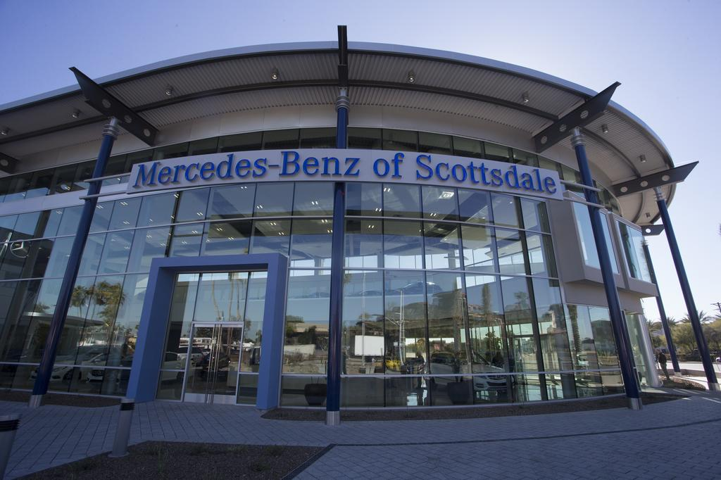 Mercedes Benz Of Scottsdale >> Go Inside The Swanky New Mercedes Benz Of Scottsdale