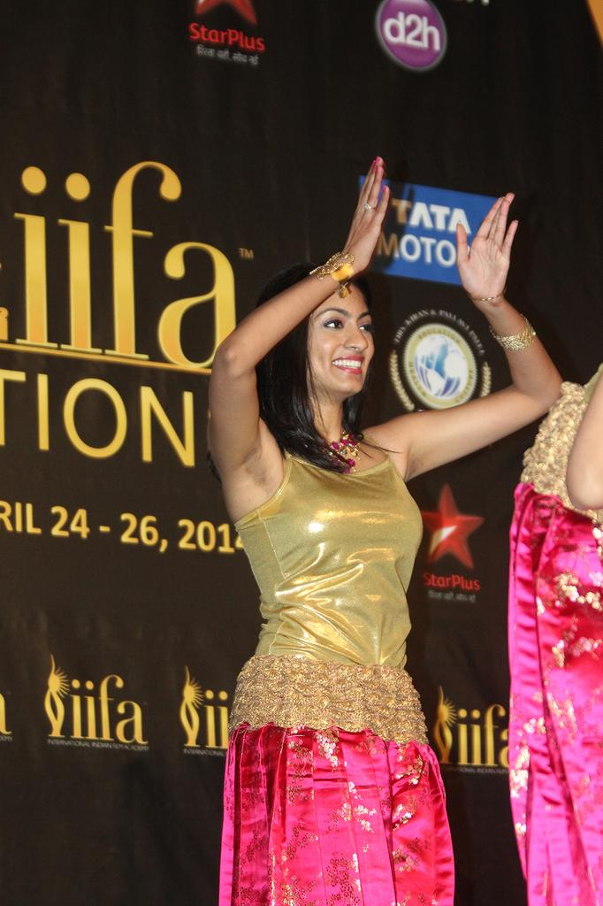 A dancer at a preview IIFA event