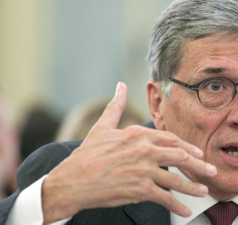 Tom Wheeler, FCC Chairman, is proposing new rules to govern how telecom and cable copmanies can manage Internet traffic.