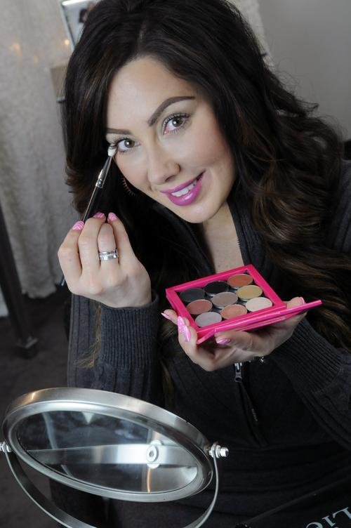 Makeup Geek Marlena Makeup Geek Uses Youtube to