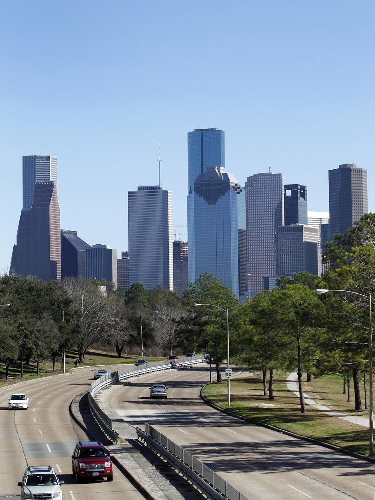 The Texas Department of Transportation will build new ramps from Houston Avenue and Allen Parkway onto Interstate 45 southbound in northwest downtown to improve traffic flow and safety. Construction begins the evening of July 8 and will last until the end of the year.