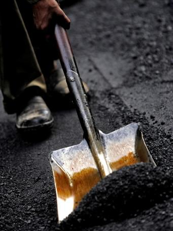 The company plans to sell oil recycled from asphalt shingles to paving companies, among others