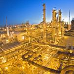 Oil-export scare drags down refiners' stock prices