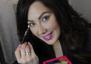 Marlena Stell creates YouTube makeup tutorials to promote her line, Makeup Geek.