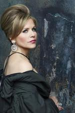 Opera star Renee <strong>Fleming</strong> to sing at Super Bowl