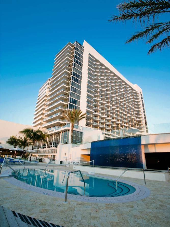 Cabana Beach Club, a restaurant inside the Eden Roc Miami Beach hotel, was shut down temporarily. It reopened the next day after passing a follow-up inspection.