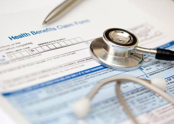 A total of 169,800 applications were submitted nationwide in the fourth quarter of 2013 to eHealthInsurance.com, the first and largest private online health insurance exchange in the nation.