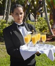 Ariving guests where greeted with mimosas.