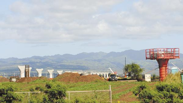 Workers will be pouring concrete for the first rail column for at the Waiawa interchange where the H-1 and H-2 freeways connect, this month.