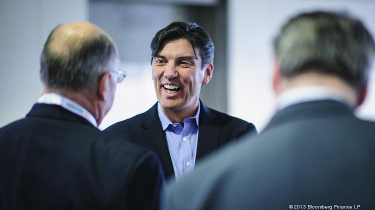 Tim Armstrong, CEO of AOL Inc., center, talks with attendees before speaking at the Society of American Business Editors and Writers (SABEW) 2013 Spring Conference in D.C. on April 4.