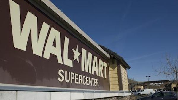 Walmart will establish a Supercenter store in the new south Sacramento Delta Shores project, part of a shopping area of up to 600,000 square feet that could open along Interstate 5 by the end of 2016.