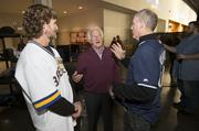 Uecker chats with Roenicke and Brewers legend Robin Yount.