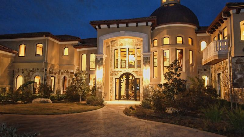 As prices rise austin 39 s million dollar plus homes take for Million dollar luxury homes