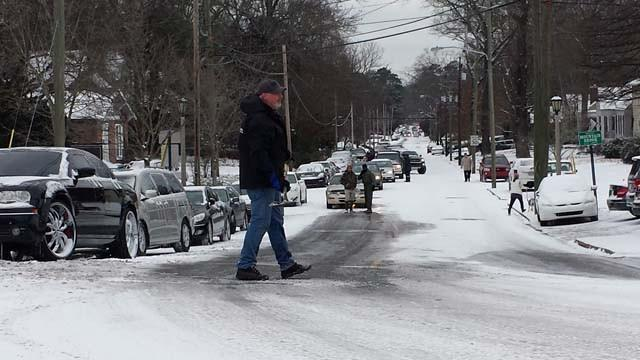 Tuesday's snowstorm resulted in abandoned vehicles and traffic jams around the metro.