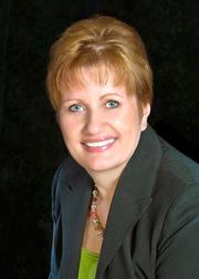 Broward Bank of Commerce promoted Debbie Kohl to COO/CFO.