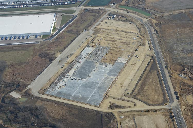 Paul Hemmer Co. is building a 650,000-square-foot industrial distribution facility for Industrial Developments International near Interstate 75 in Monroe.