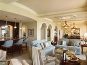 Rosen Shingle Creek Hammock suite: Features spa-like feel, with cool blues and greens, pebble wall in bathroom