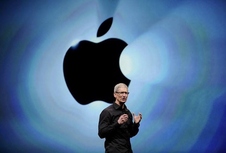 How does Apple CEO Tim Cook compare with Microsoft Corp. CEO Steve Ballmer? There are many in the investment community who want to see both tech company CEOs fired, according to the New York Times.