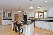 2820 Estates Court: The kitchen features granite countertops.