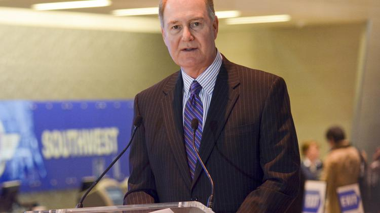 Southwest Airlines CEO Gary Kelly announces the carrier's post-Wright Amendment flights.