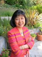 Bay Area Tumor Institute honors health exec <strong>Cora</strong> <strong>Tellez</strong>