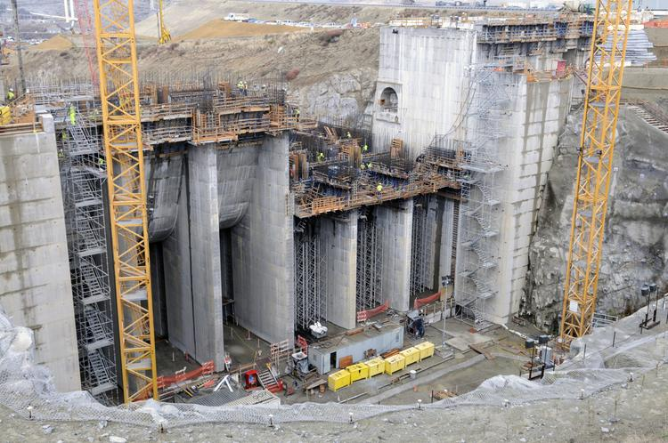 A massive amount of concrete and steel is used in the third phase of the $802 million Folsom Dam Auxiliary Spillway Project.
